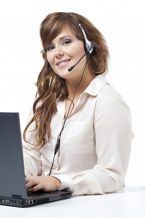 kozzi-445382-a call center employee-1183x1774