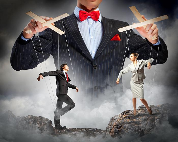 kozzi-businessman puppeteer-806x644