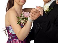 kozzi-788169-dancing couple at prom-832x624